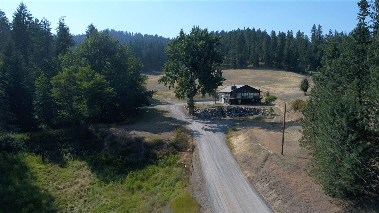 Single Family Home for Sale at 18618 E Lincoln Road 18618 E Lincoln Road Otis Orchards, Washington 99027 United States