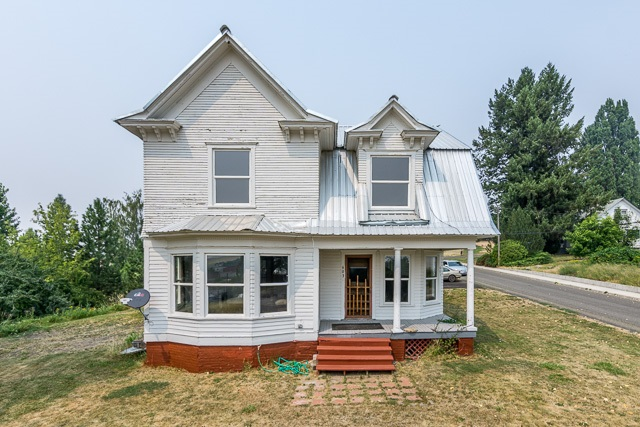 Single Family Home for Sale at 603 N 2nd Street 603 N 2nd Street Garfield, Washington 99130 United States