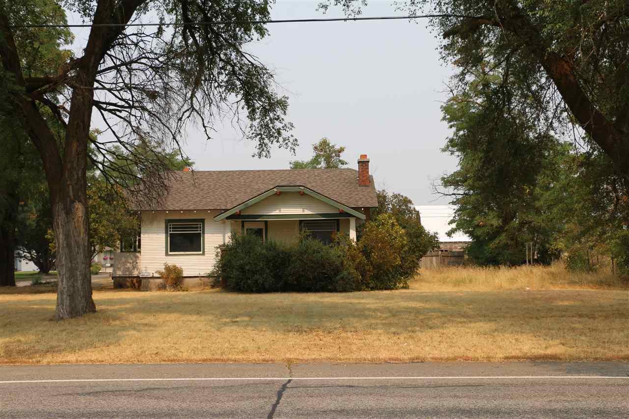 Single Family Home for Sale at 25901 E wellesley Avenue 25901 E wellesley Avenue Newman Lake, Washington 99025 United States