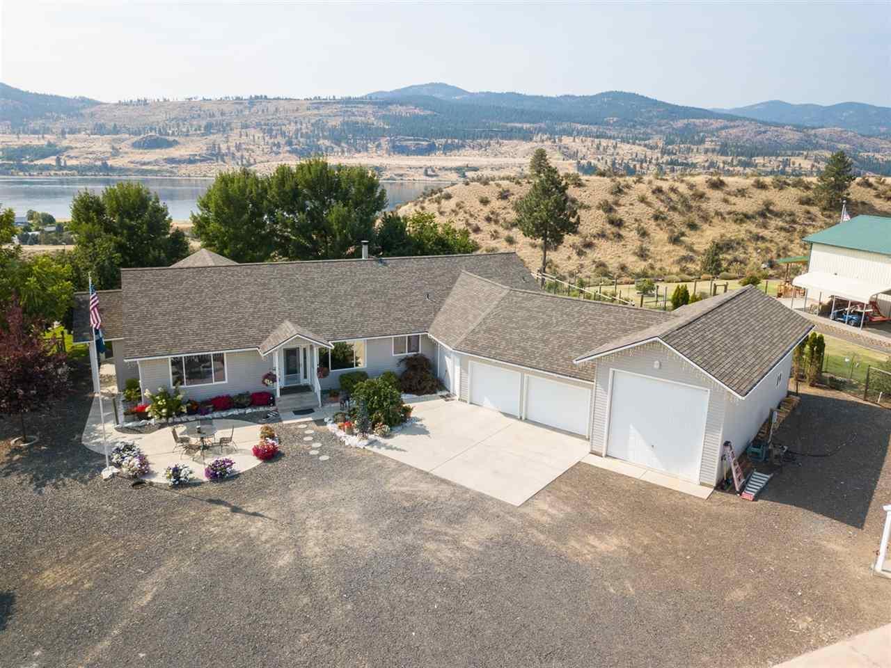 Single Family Home for Sale at 42365 N Doe Drive 42365 N Doe Drive Deer Meadows, Washington 99122 United States