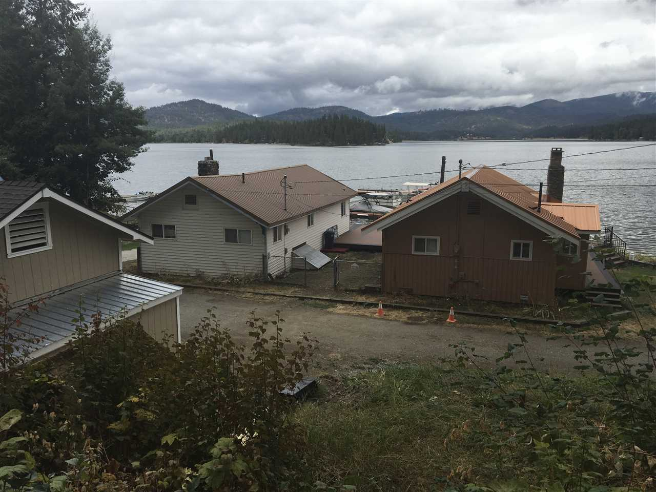 Single Family Home for Sale at 22704 E Park Beach Road Road 22704 E Park Beach Road Road Newman Lake, Washington 99025 United States
