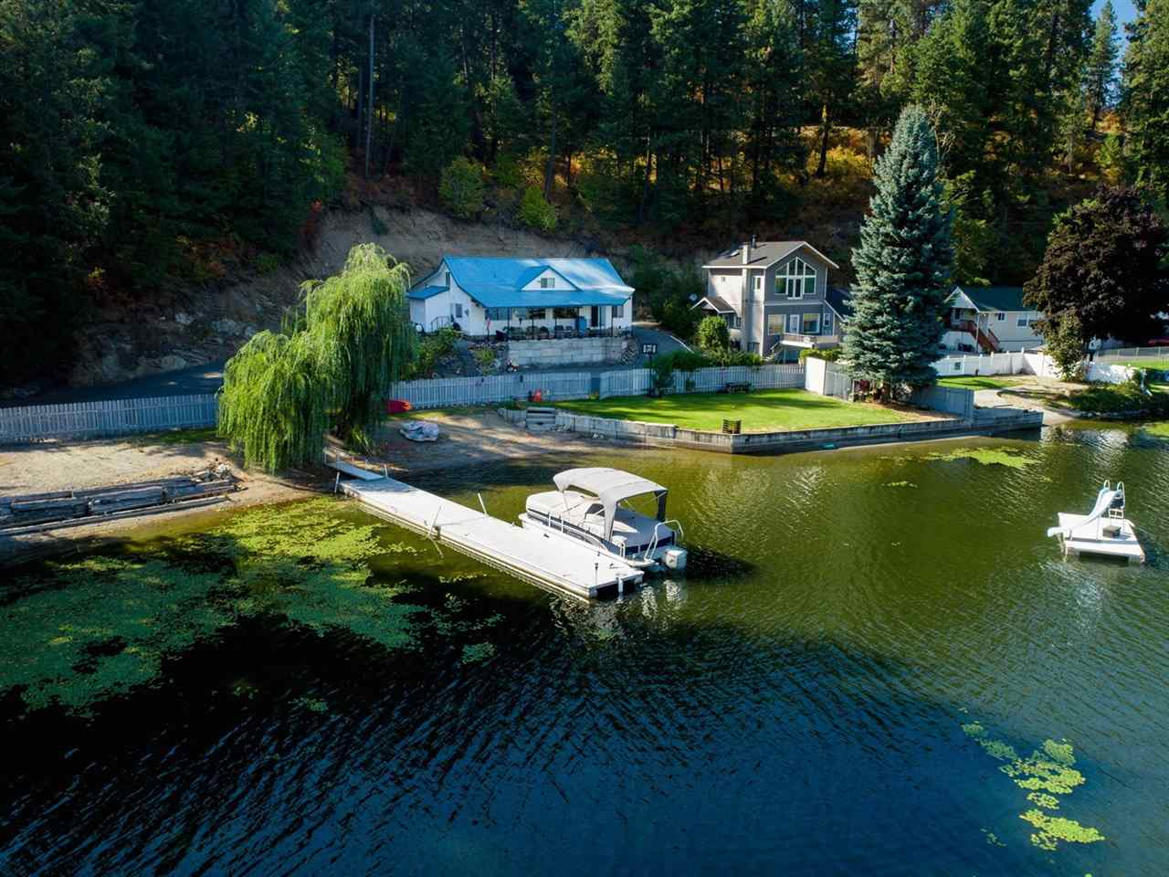 Single Family Home for Sale at 11401 N Honeymoon Bay Road 11401 N Honeymoon Bay Road Newman Lake, Washington 99025 United States