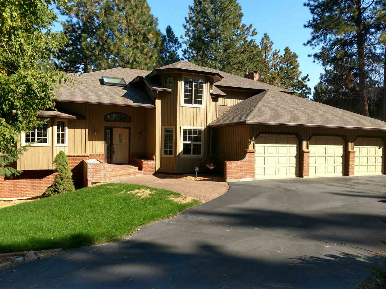 Single Family Home for Sale at 4608 S Bella Vista Drive 4608 S Bella Vista Drive Veradale, Washington 99037 United States