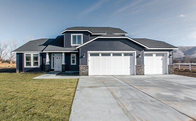 Single Family Home for Sale at 9515 W Floyd Drive 9515 W Floyd Drive Cheney, Washington 99004 United States