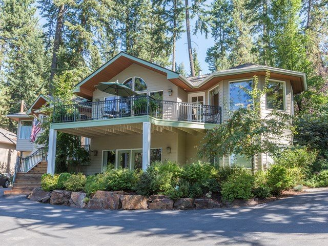Single Family Home for Sale at 13014 N North Park Street 13014 N North Park Street Newman Lake, Washington 99025 United States