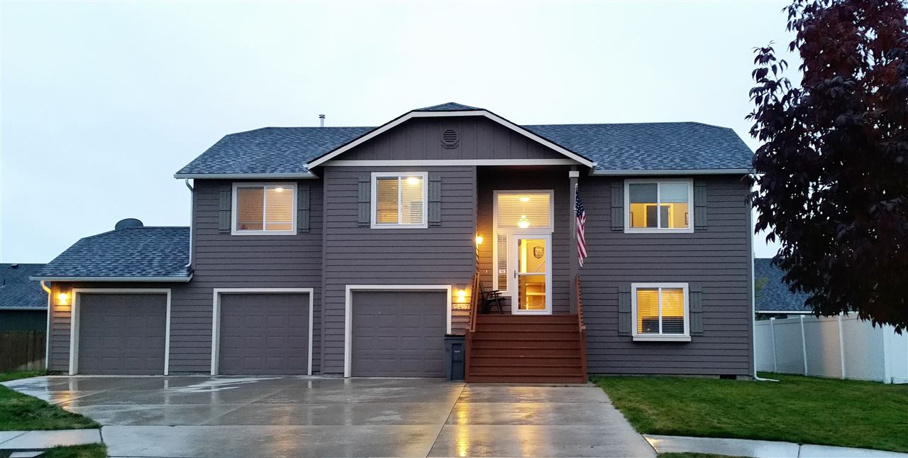 Single Family Home for Sale at 12417 W Pacific Court 12417 W Pacific Court Airway Heights, Washington 99001 United States