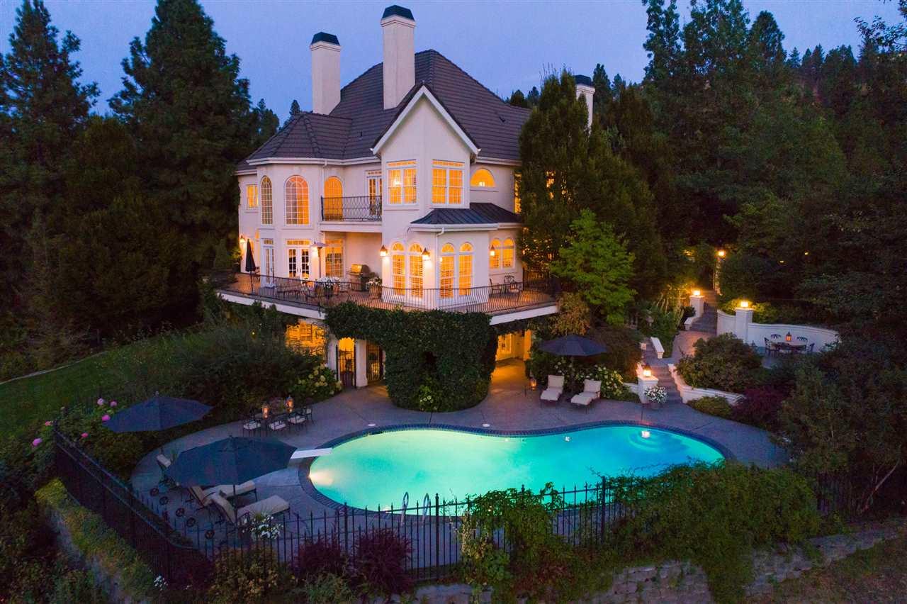 Single Family Home for Sale at 8207 E Vista Lane 8207 E Vista Lane Spokane, Washington 99212 United States