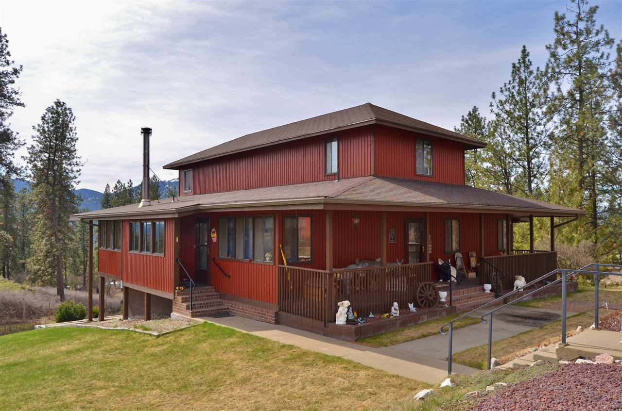 Single Family Home for Sale at 627 Highland Loop Road 627 Highland Loop Road Kettle Falls, Washington 99141 United States