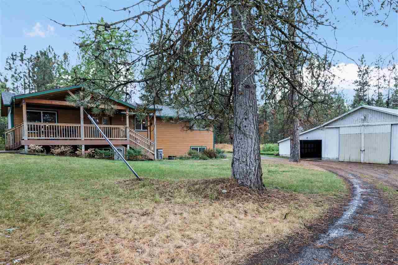 Single Family Home for Sale at 25715 E Trent Avenue 25715 E Trent Avenue Newman Lake, Washington 99025 United States
