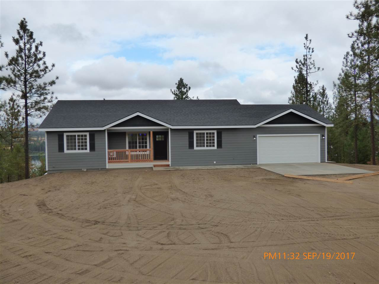 Single Family Home for Sale at 28820 W Long Lake Road 28820 W Long Lake Road Ford, Washington 99013 United States