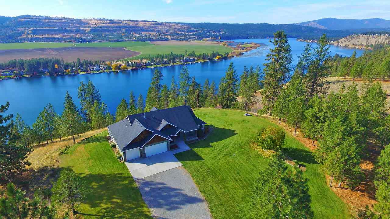 Single Family Home for Sale at 6263 Brennan Court 6263 Brennan Court Nine Mile Falls, Washington 99026 United States