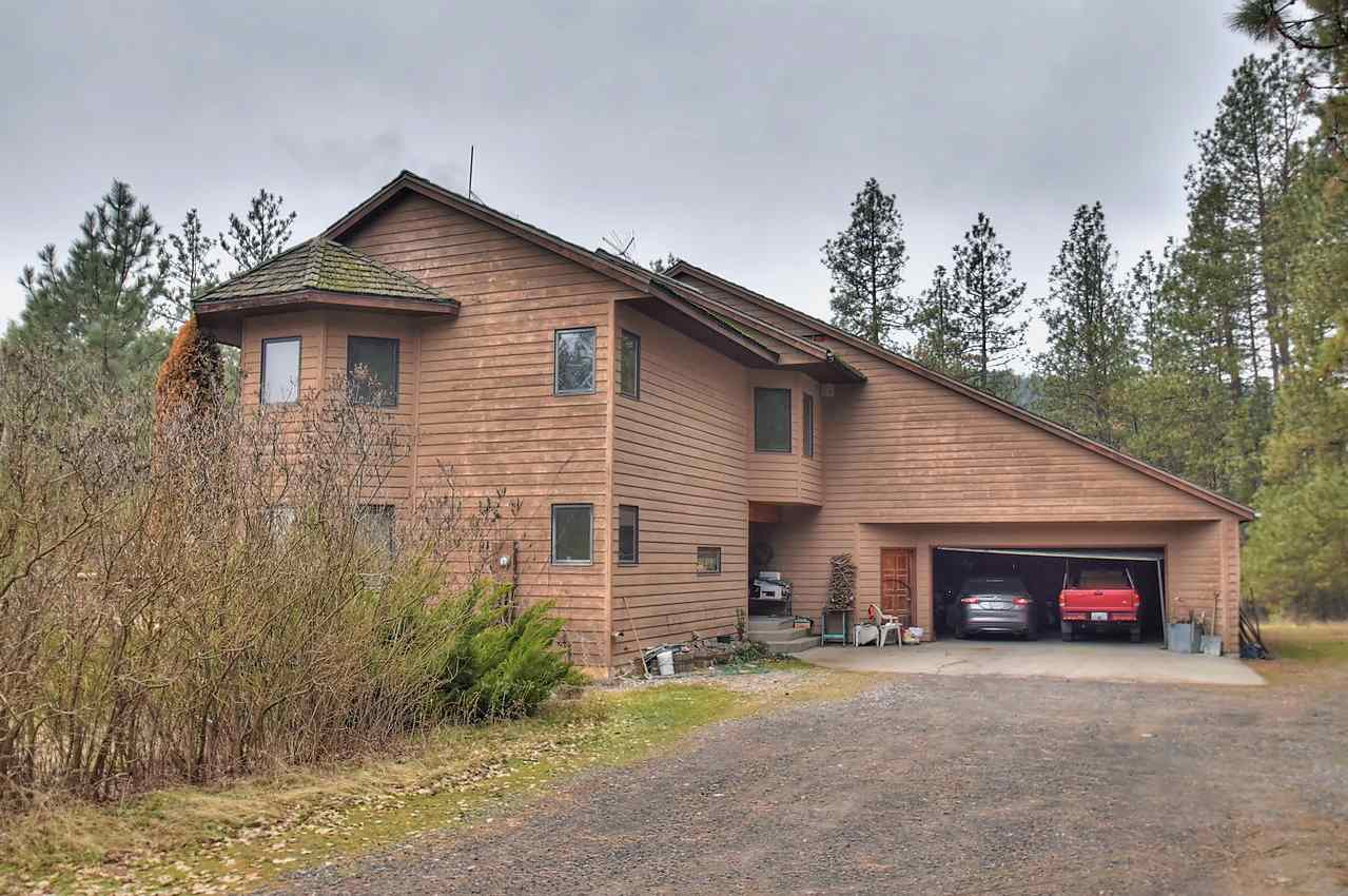 Single Family Home for Sale at 11801 N NINE MILE Road 11801 N NINE MILE Road Nine Mile Falls, Washington 99026 United States