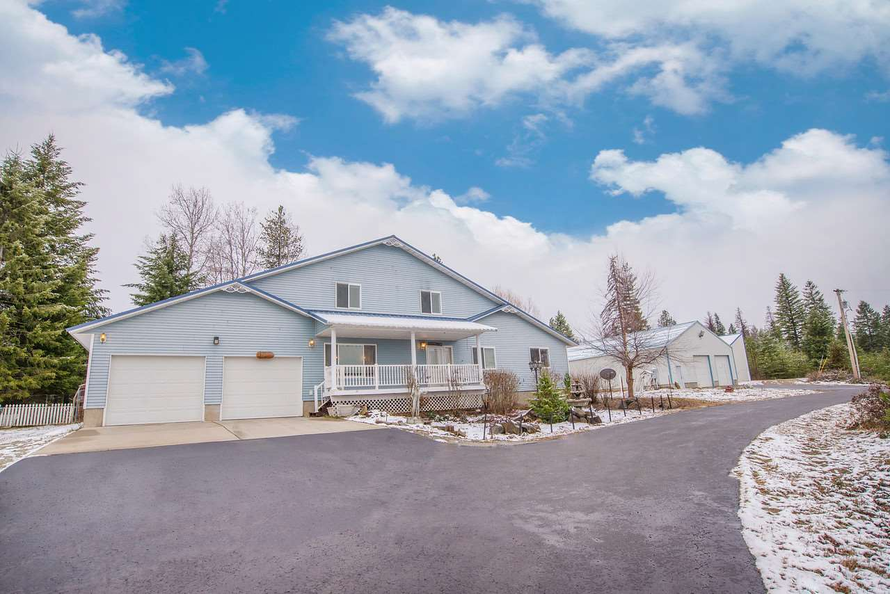 Single Family Home for Sale at 325084 Highway 2 Fwy 325084 Highway 2 Fwy Newport, Washington 99156 United States