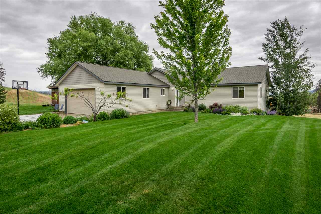Single Family Home for Sale at 37443 N Teel Hill Road 37443 N Teel Hill Road Davenport, Washington 99122 United States
