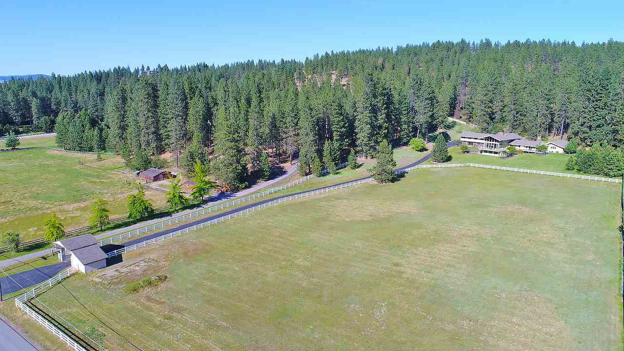 Single Family Home for Sale at 4707 S Madison Road 4707 S Madison Road Spokane Valley, Washington 99206 United States