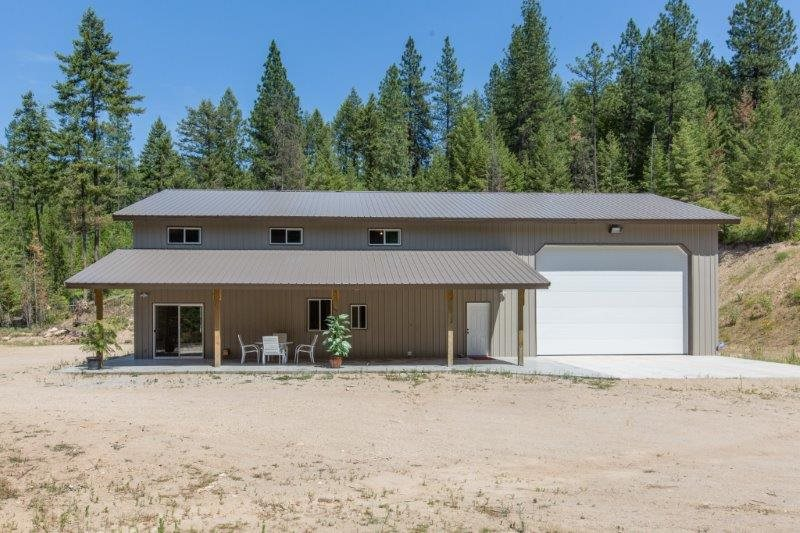 Single Family Home for Sale at 36008 N Milan-Elk Road 36008 N Milan-Elk Road Chattaroy, Washington 99003 United States