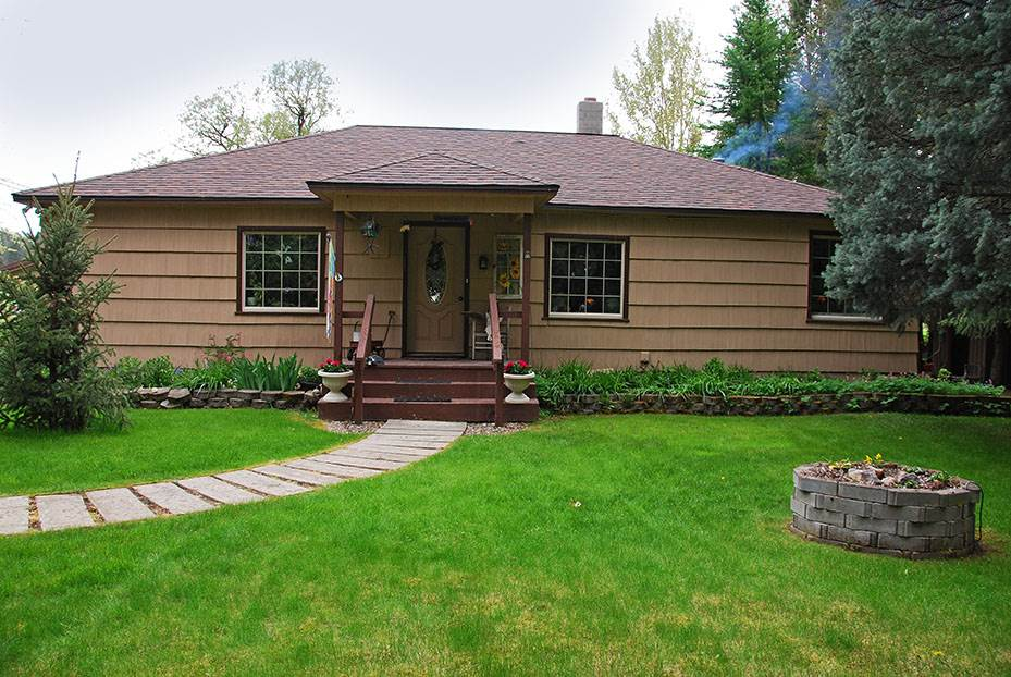 Single Family Home for Sale at 3801 E Chattaroy Road 3801 E Chattaroy Road Chattaroy, Washington 99003 United States