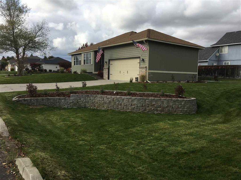 Single Family Home for Sale at 2123 S St Charles Road 2123 S St Charles Road Veradale, Washington 99037 United States