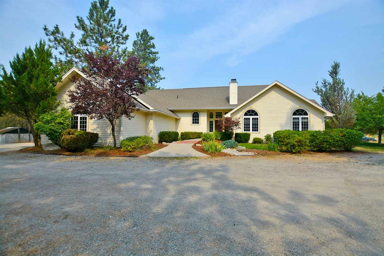 Single Family Home for Sale at 24112 N Parkview Lane 24112 N Parkview Lane Chattaroy, Washington 99003 United States