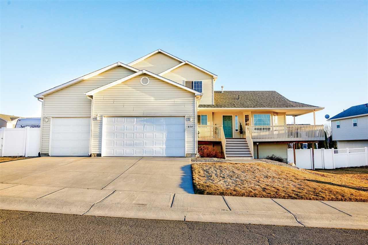 Single Family Home for Sale at 1015 N FOX RIDGE Road 1015 N FOX RIDGE Road Medical Lake, Washington 99022 United States