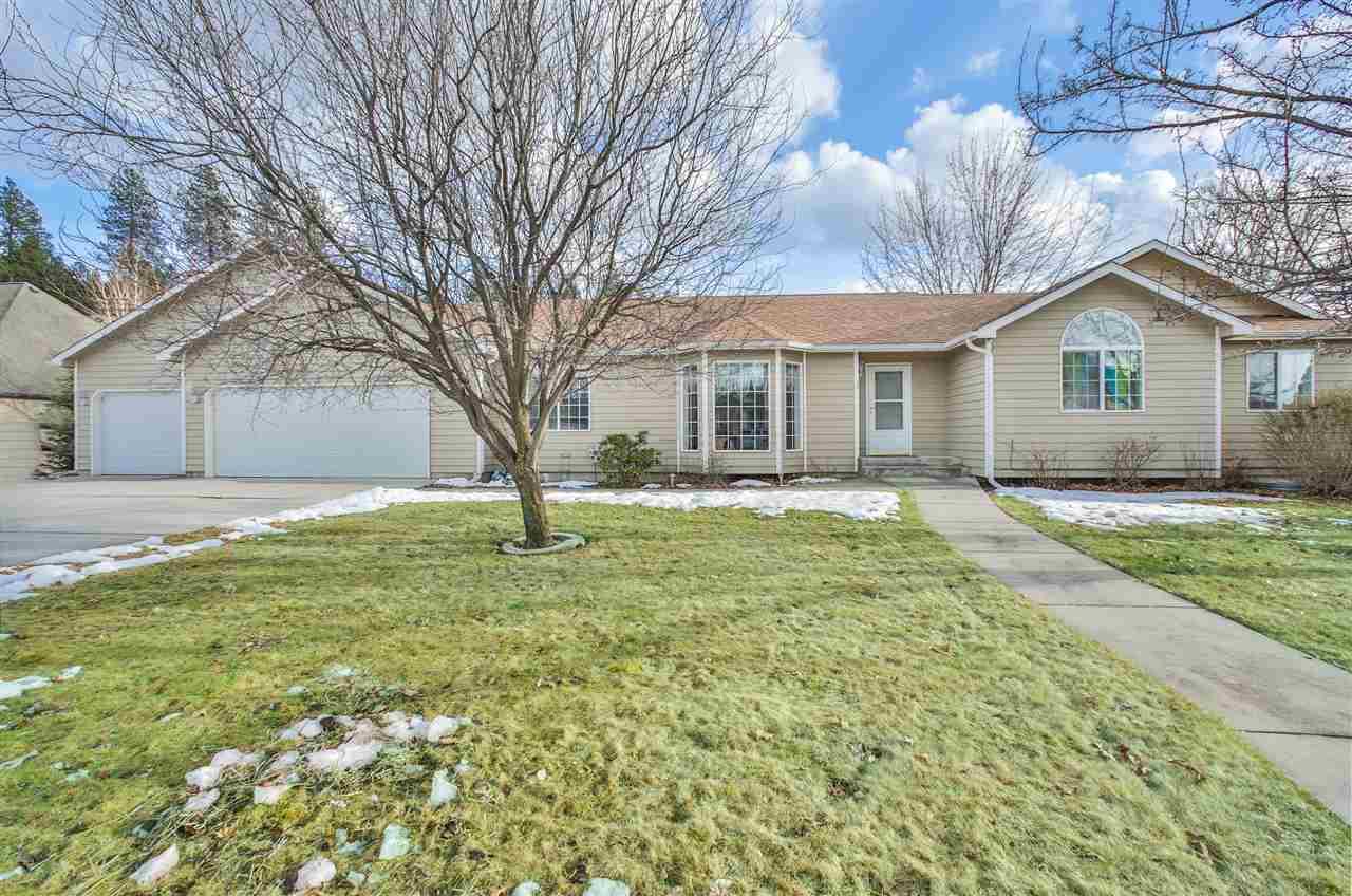Single Family Home for Sale at 15918 E Renz Drive 15918 E Renz Drive Veradale, Washington 99037 United States
