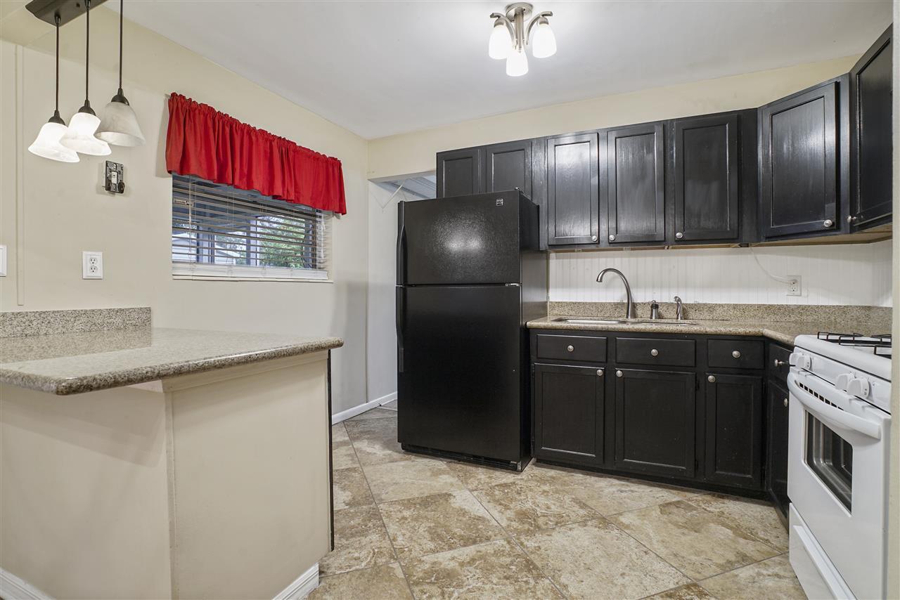 7809 praver dr jacksonville fl. Black Bedroom Furniture Sets. Home Design Ideas
