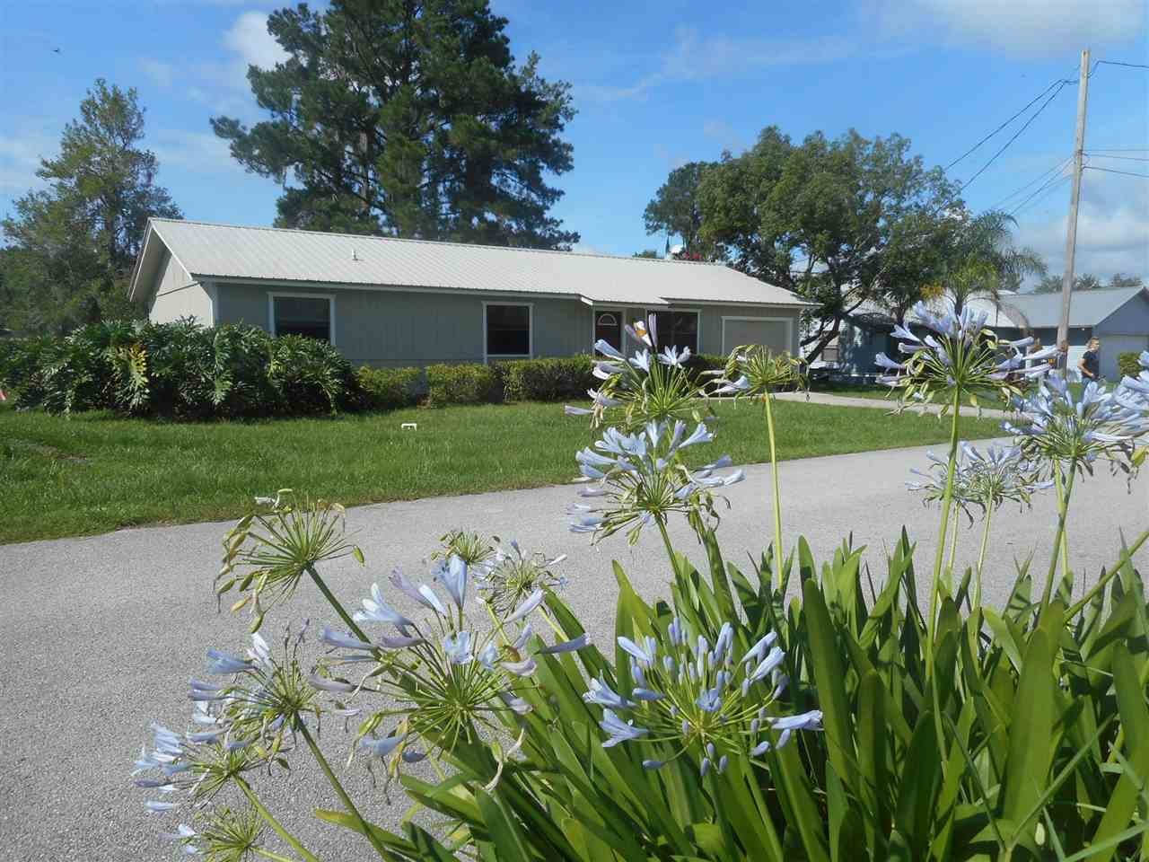 """Love the St. John's River? This is the very unique St. John's River canal front """"Palm Port"""" East Palatka home you have been waiting for! Freshly painted exterior - done! Now it's time for the new owners to turn the inside into your dream waterfront spot. Every day fishing and boating or the get-away fishing retreat."""