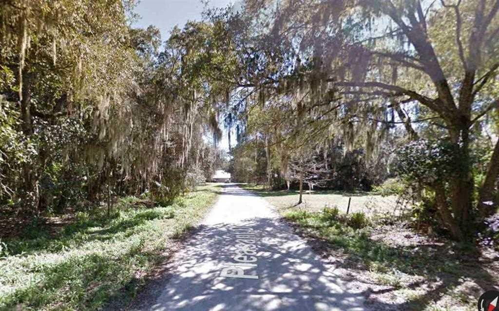 74 x142 Lot is  located 2 lots from the St. John's river on a paved road in beautiful East Palatka!