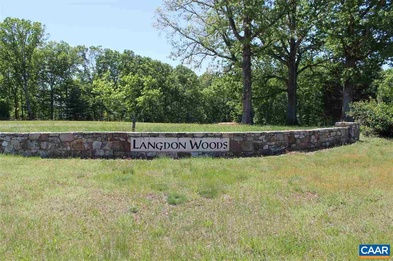 19 LANGDON WOODS DR, DYKE, VA 22935