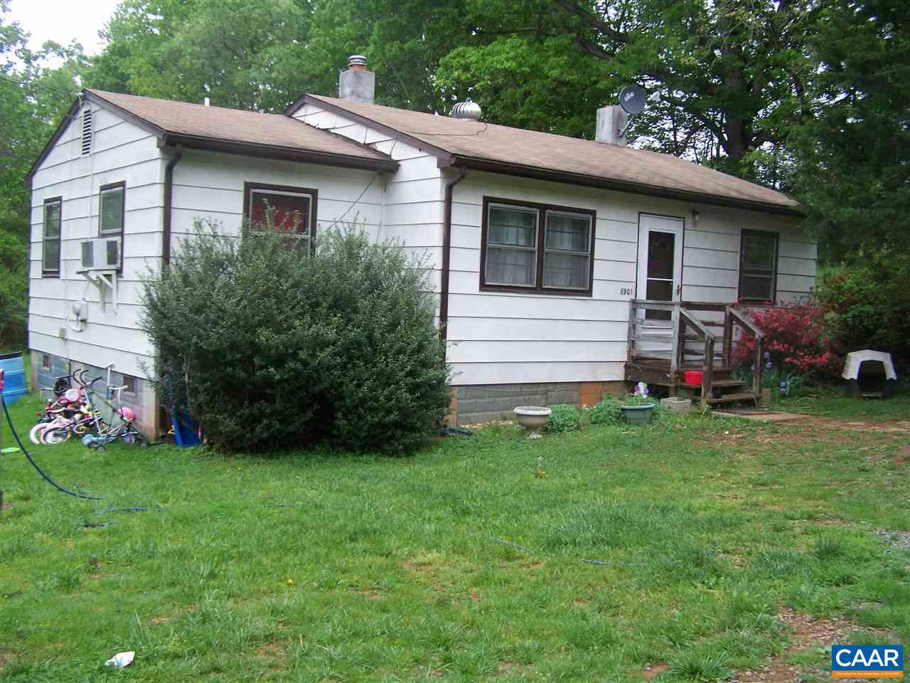 8901 CHESTNUT GROVE RD, ESMONT, VA 22937