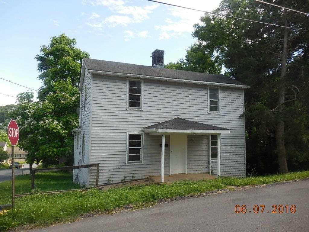 1202 JACKSON ST, STAUNTON, VA 24401