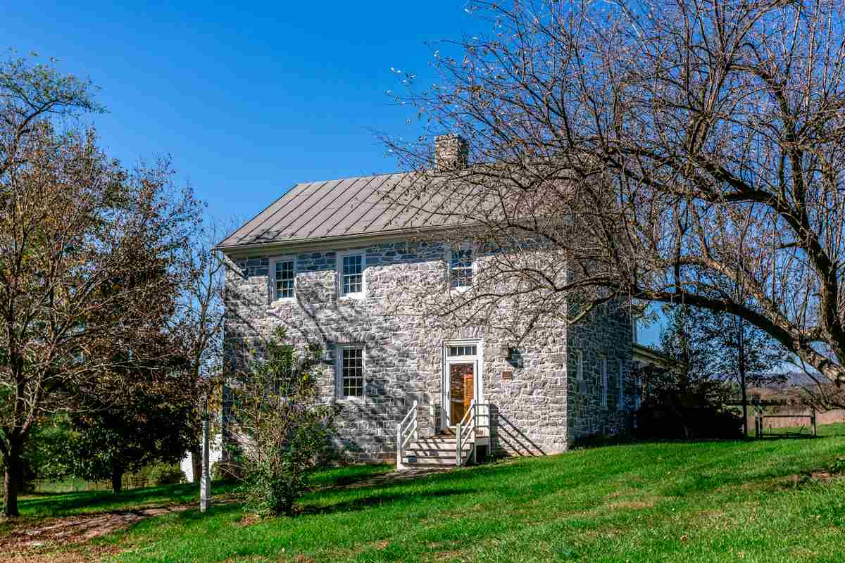 4713 WENGERS MILL RD, LINVILLE, VA 22834