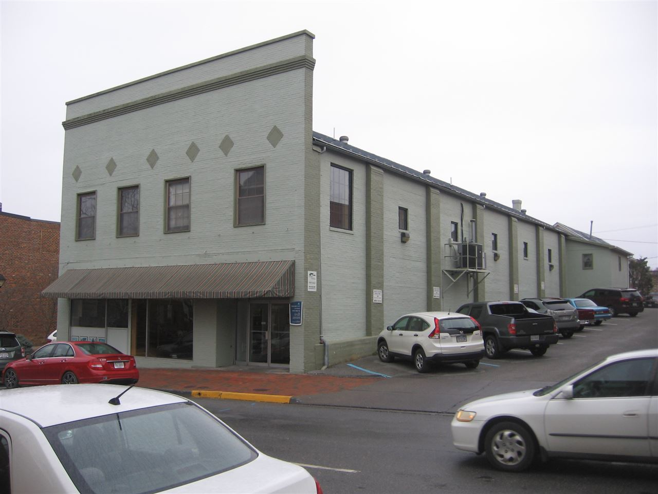 146 S MAIN ST, LEXINGTON, VA 24450