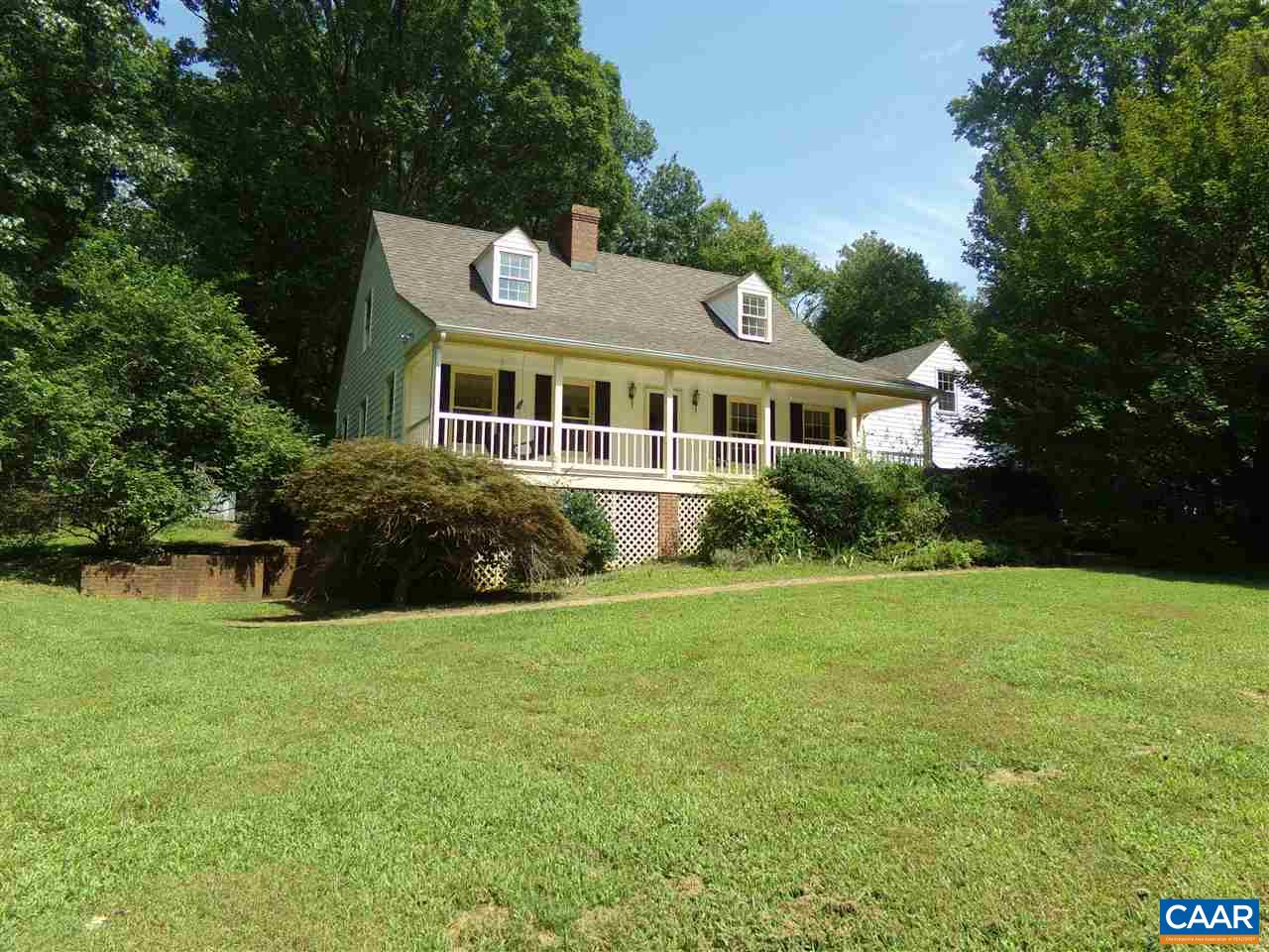 $20K REDEC/CC ALLOWANCE PD WITH SATISFACTORY CONTRACT.BEAUTIFUL BUCK MOUNTAIN SUBDIVISION HOME IN EXCELLENT CONDITION WITH EXTERIOR FRESHLY PAINTED AND MOST INTERIOR FRESHLY PAINTED, REFINISHED HARDWOOD FLOORS IN LR, KIT & DA. NICE FULL LENGTH COVERED PORCH,  MAIN LEVEL MASTER  BEDROOM SUITE WITH WHIRLPOOL TUB AND SEPARATE SHOWER, SPACIOUS LIVING ROOM WITH NATURAL GAS FIREPLACE, LARGE DINING ROOM,  SPACIOUS KITCHEN W/KITCHEN ISLAND & LG DINING AREA &   SOAPSTONE COUNTER TOPS, FINISHED MULTI PURPOSE ROOM WITH SEPARATE HEAT PUMP H&C (COULD EASILY BE 4TH BR). LG 2 CAR GARAGE & FULL UNFINISHED BSMT.  EXTERIOR GROUNDS PARTIALLY FENCED WITH MUCH LANDSCAPING. EXCELLENT PRIVACY WITH NICE WINTER VIEWS. GENRAC 10K BACKUP GENERATOR INCLUDED.