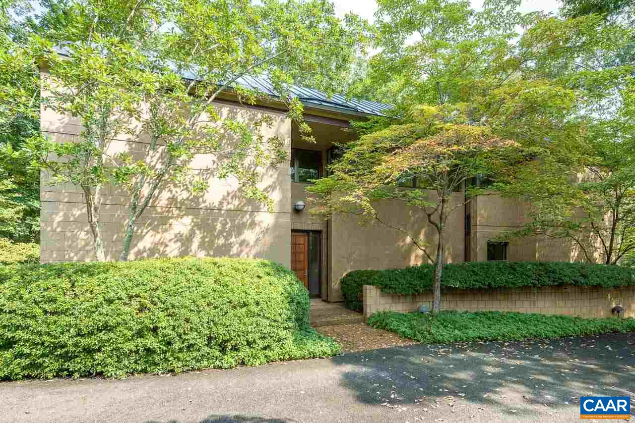 Designed by Dick Shank of Shank & Gray Architects, this stunning, beautifully built, well-maintained home is a delight to see. The interior of the home is spacious, open and numerous oversized windows provide an abundance of light throughout. The first level consists of large living room with fireplace, dining room, study/library, kitchen/family room and master bedroom with bath. The second level contains 3 additional bedrooms, 2 full baths, and an office. Large, totally private yard in sought-after close to town location. A must see!