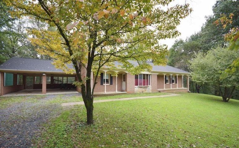 306 HAWKSBILL PINES RD, STANLEY, VA 22851
