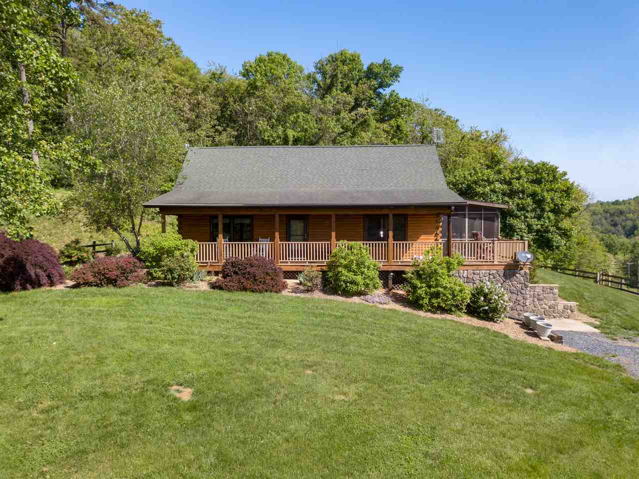 561 DICES SPRING RD, WEYERS CAVE, VA 24486