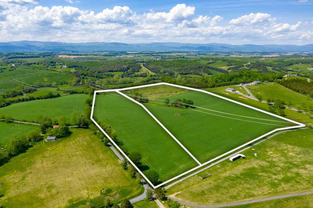 386 SLATE HILL RD Tracts 1 & 2, WEYERS CAVE, VA 24486