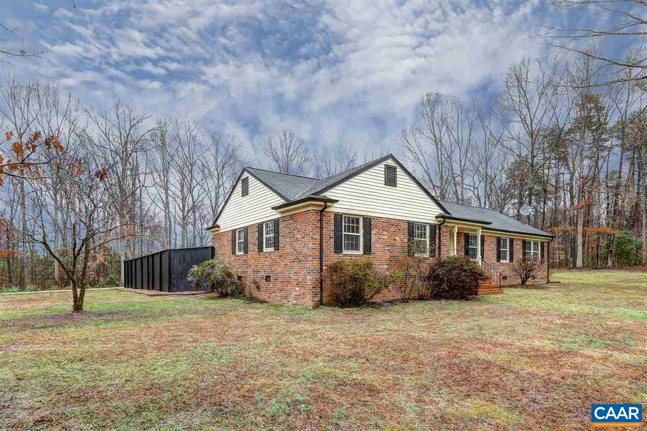 571 COPPER LINE RD, BUMPASS, VA 23024