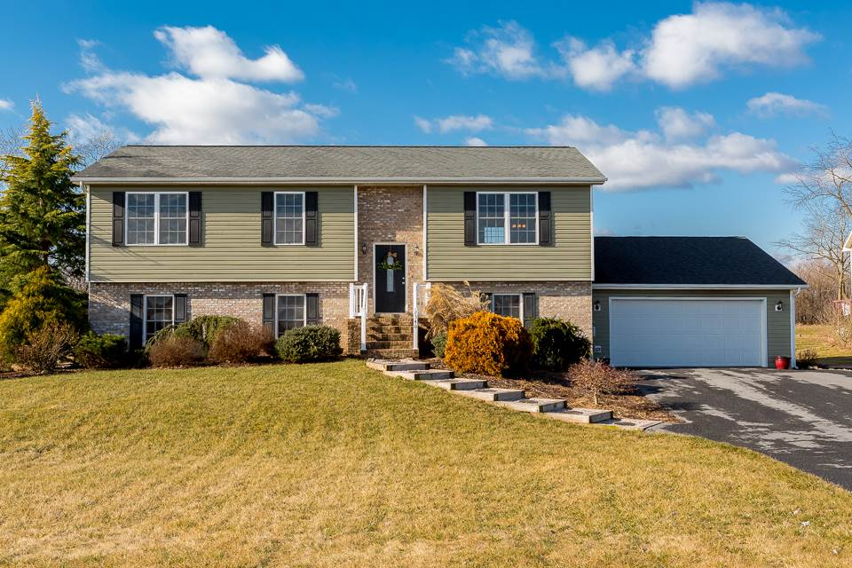 2340 FOUR LEAF CIR, DAYTON, VA 22821