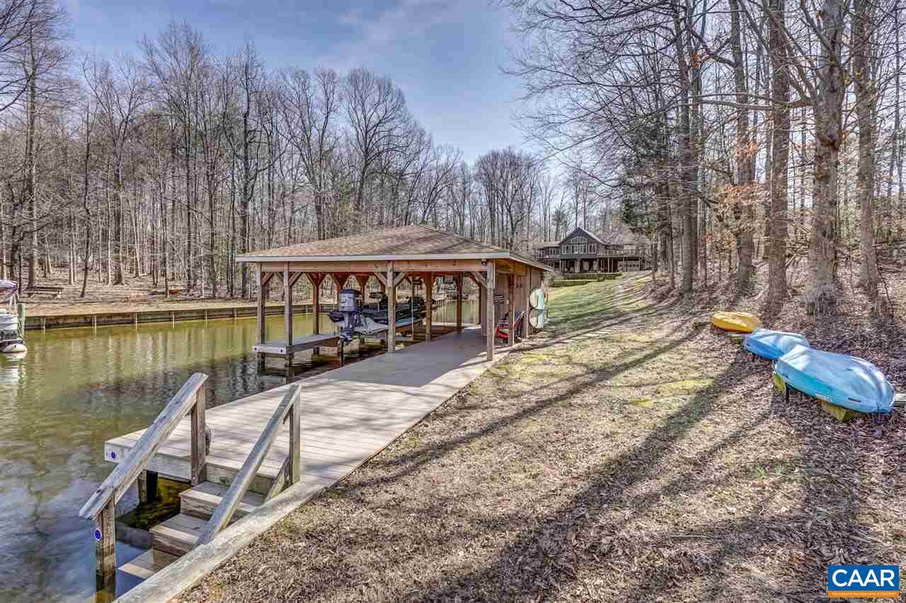 124 WALNUT CT, BUMPASS, VA 23024
