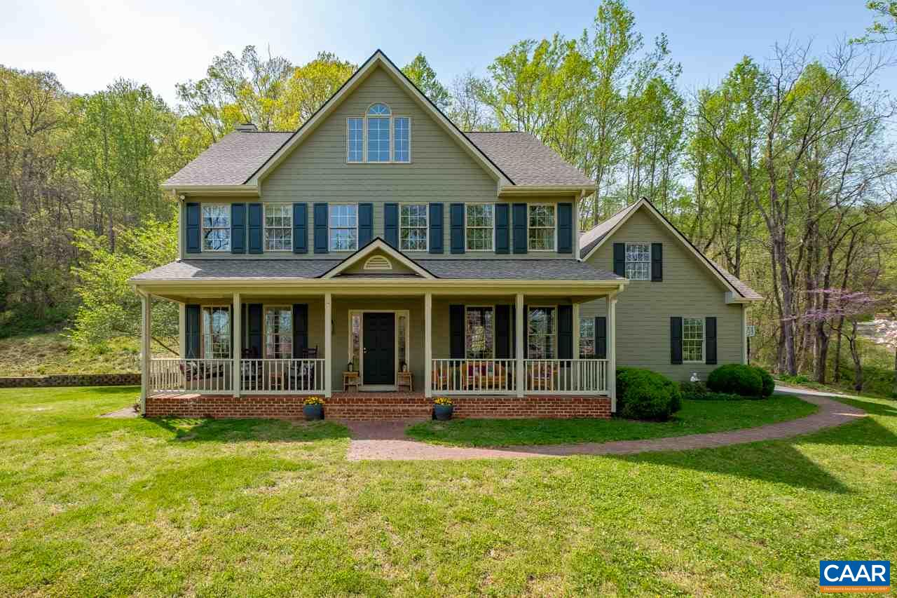 61 FARMVIEW RD, STANARDSVILLE, VA 22973