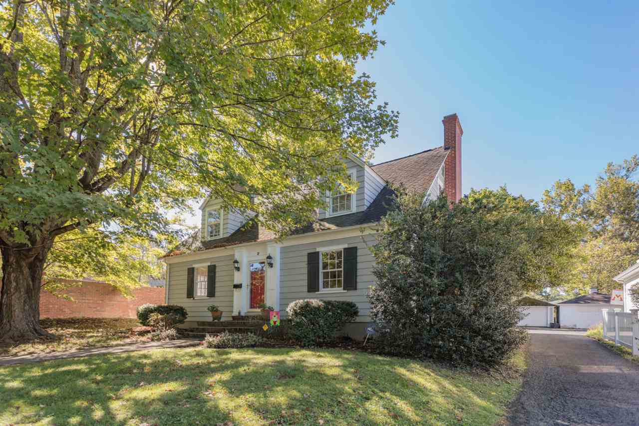 2 SELLERS AVE, LEXINGTON, VA 24450