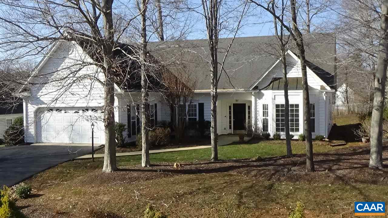 One level living at its finest located on quiet cul de sac in desirable Dunlora neighborhood.  Open floor plan w/ loads of natural light, hardwood floors throughout entire home. Gas fire place, eat in kitchen w/ wall of windows, great rear deck for relaxation & entertaining.  Great floor plan features large master bedroom on one side of home w/ 2 guest bedrooms on opposite side of home w/ kitchen & living areas in between. This home also has the bonus of another large room that can be a home office or anything desired by owner.  Located w/in walking distance to the neighborhood pool & club house. Updates: garage door 2009, dishwasher 2007, refrigerator 2013,washer/dryer 2011, furnace 2011, fans 2012.