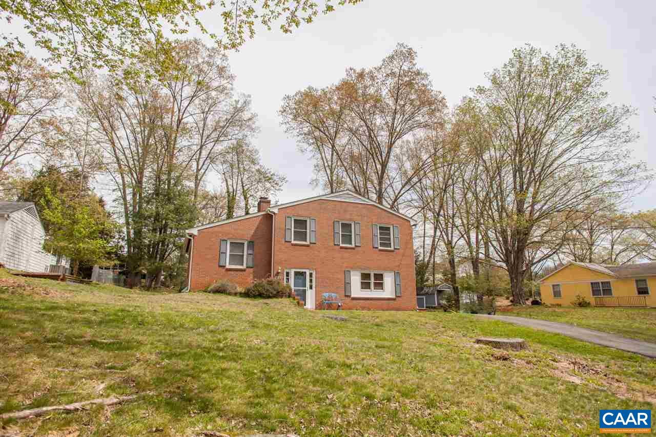 Beautiful home in the desirable Greenbrier neighborhood!  Great layout and well maintained on a .33 acre lot in the city!  What more could you ask for?!  Great location.  Great price.  Fabulous layout!  Welcome home!
