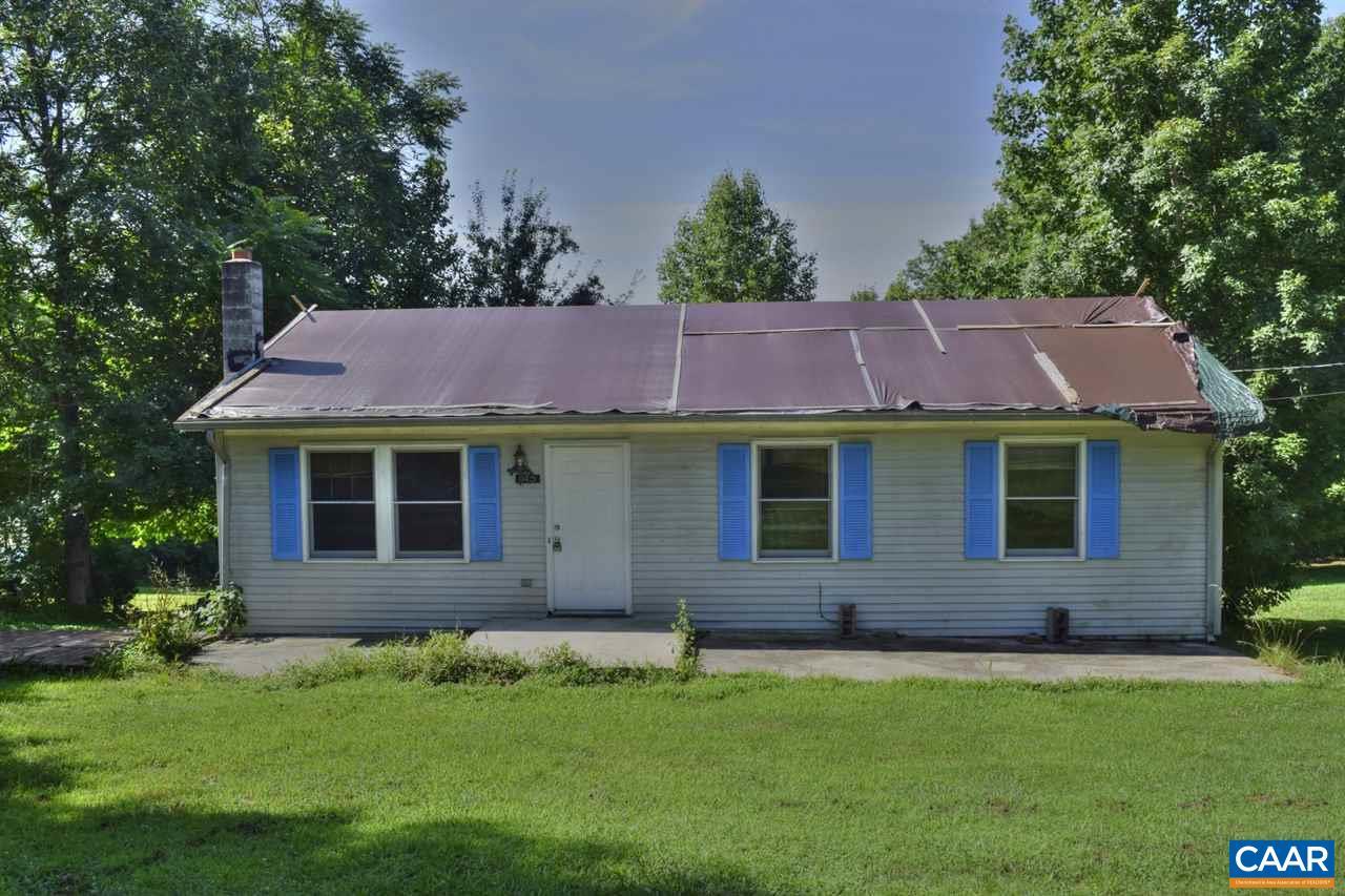145 VILLAGE RD, SHIPMAN, VA 22971