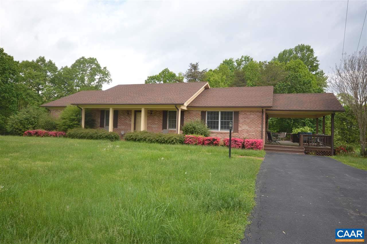 Cozy brick rancher on oversized lot.  Home offers 2 bedrooms,  2 full baths,  formal dining room, eat in kitchen and family room.  Very convenient location to Ruckersville and N. Albemarle.   Very well kept home and ready to move in.