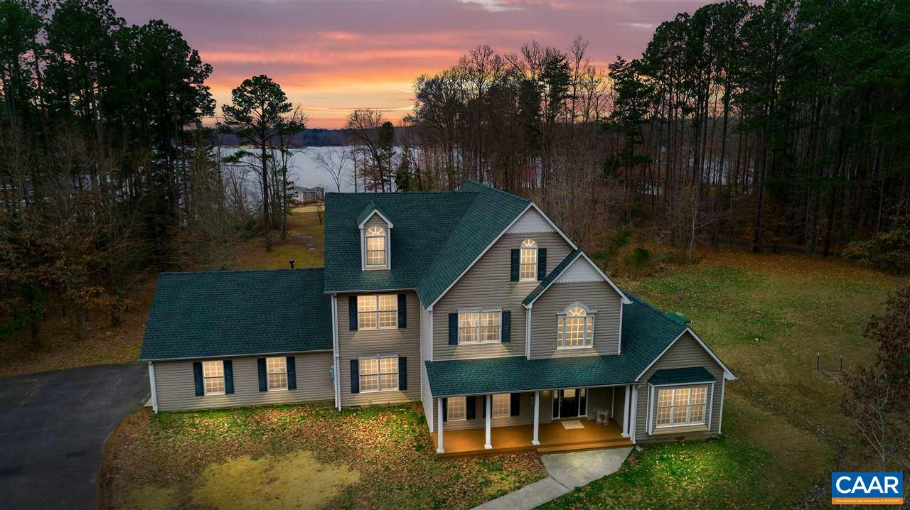 707 POINT DR, BUMPASS, VA 23024
