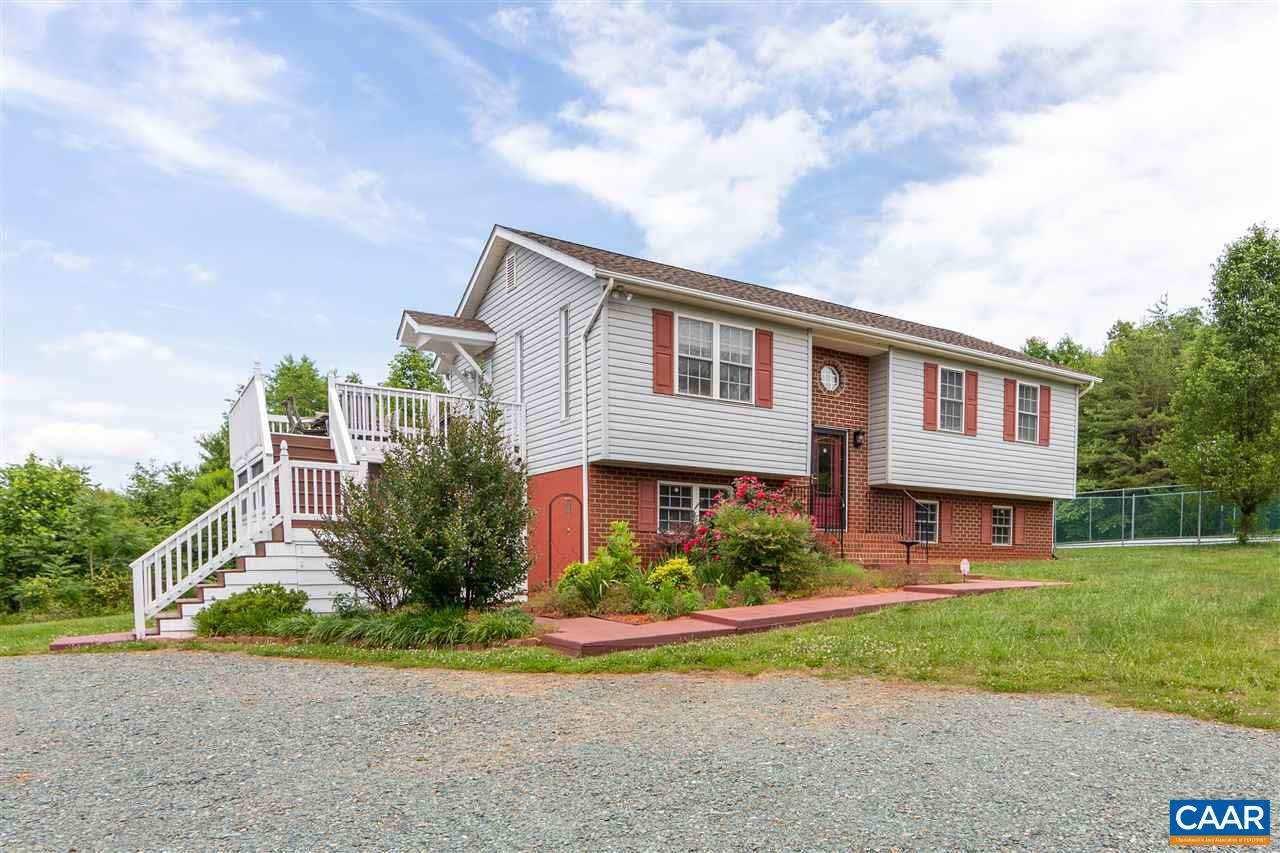 6845 CABELL RD, HOWARDSVILLE, VA 24562