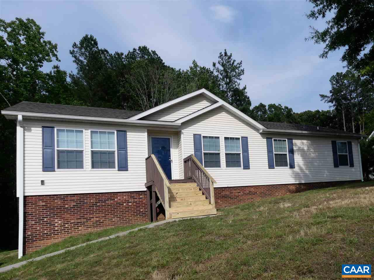 305 CRESTVIEW DR, FARMVILLE, VA 23901